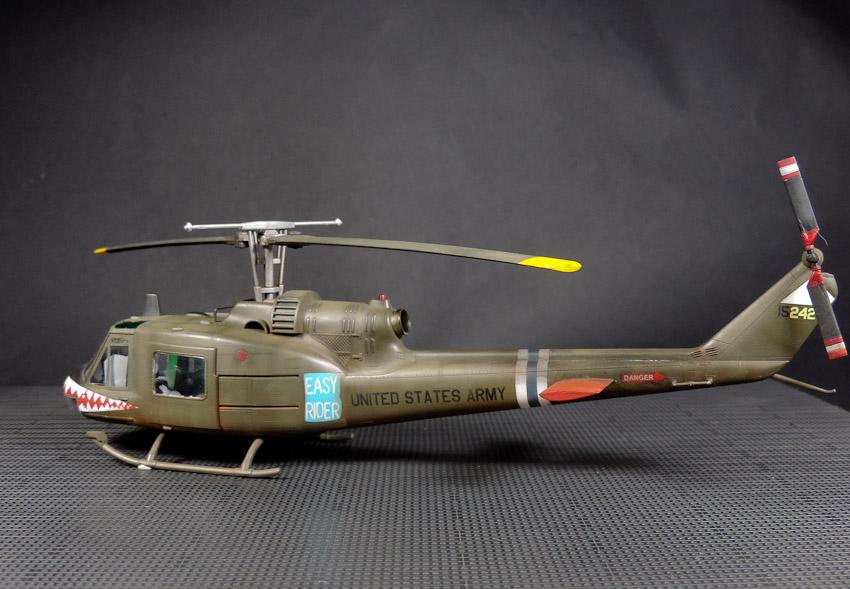 Hélico - Bell UH-1C Huey - Hobby Boss, 1/48 Sans_titre_29_5